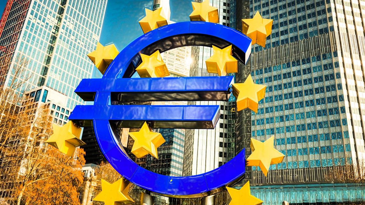 По словам Кристин Лагард, евро ослабил стимулы для инфляции
